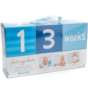 Pearhead baby boy photo prop age countdown blocks